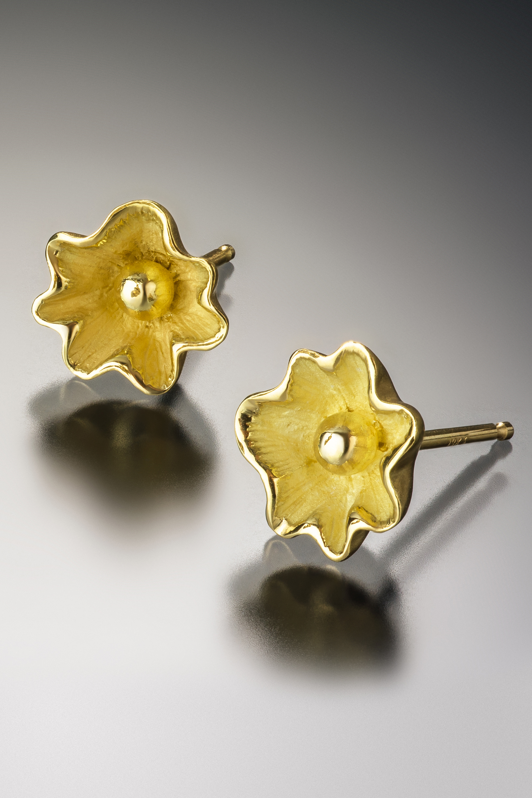 Coral sea flower single studs in 18k gold natalie reed designs 59500 mightylinksfo
